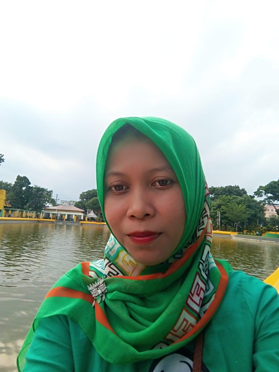 Mega Riana Siregar, S.Pd